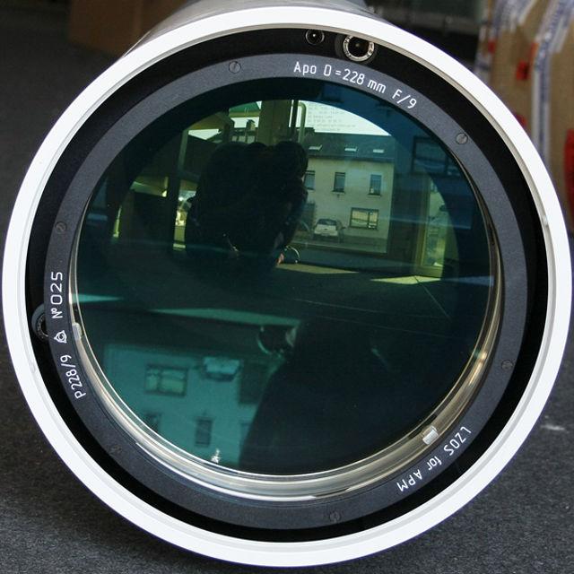 Picture of APM - LZOS Apo-Refraktoren - 228 f/9 Apochromat, Lens in Cell